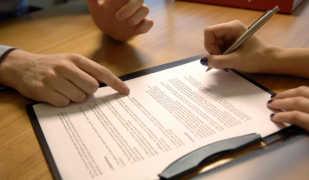 Поручитель по кредиту: права, обязанности перед заемщиком и банком
